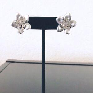Flower Cluster Pierced Earrings